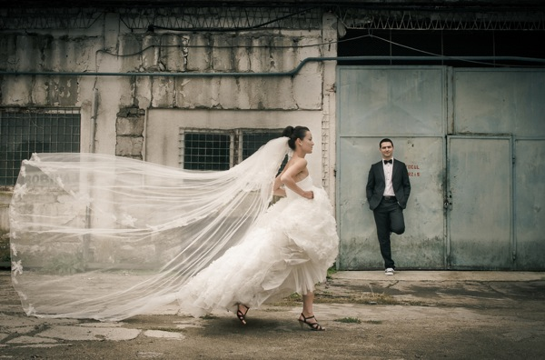 stunning wedding dress and veil | matei horvath photography