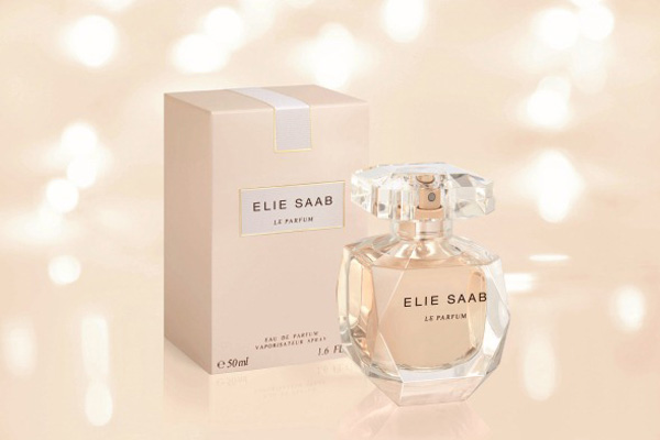 elie saab perfume a fragrance as feminine as his dresses. Black Bedroom Furniture Sets. Home Design Ideas