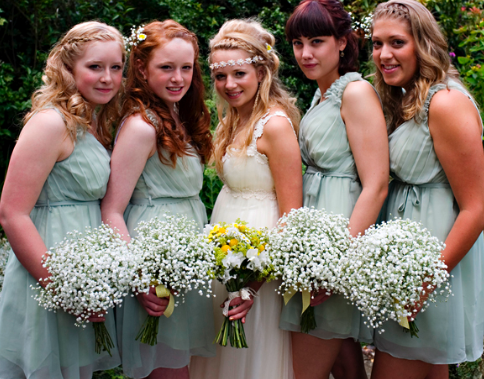 boho bride and bridesmaids, baby's breath bouquets
