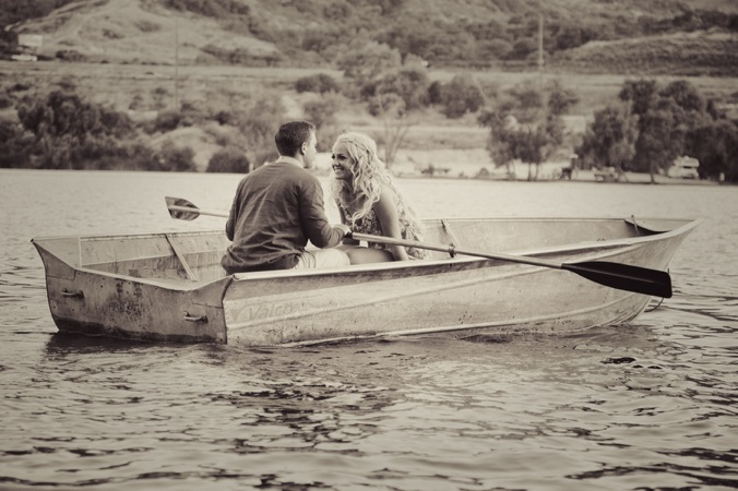 engagement shoot on a row boat | bridal musings (25)