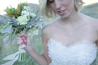 Girl Meets Vintage Dress: A Simple & Stunning Inspiration Shoot