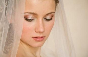 Beauty Tutorials & Make Up Tips For A Destination Wedding