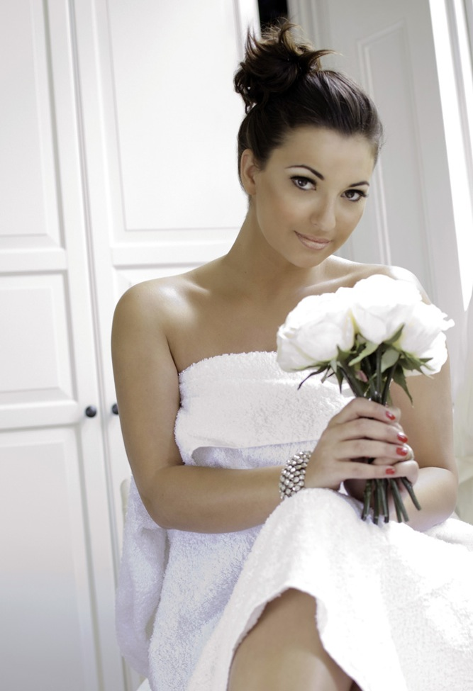 Should I Do My Own Makeup For My Wedding Day : Top Tips For Wedding Day Make Up