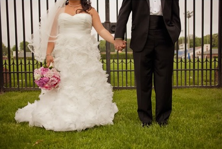 Fluffy wedding dress & peony bouquet