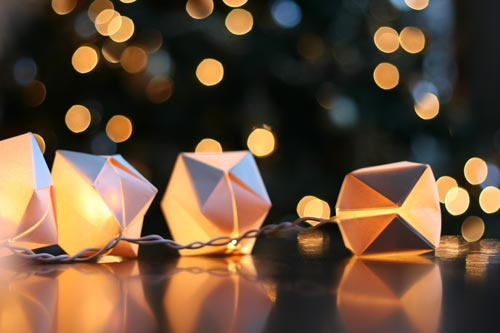 Adorable Dixie cup string lights