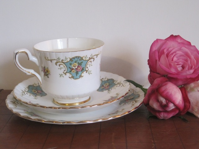 vintage tea cup candle tutorial