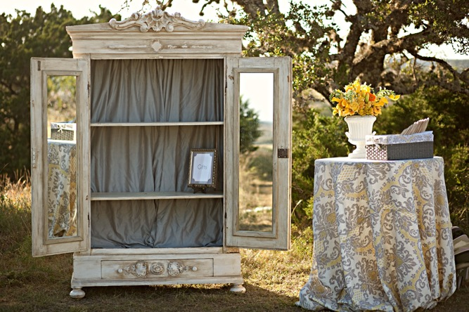 Modern rustic vintage yellow grey ranch wedding for Mobilya wedding