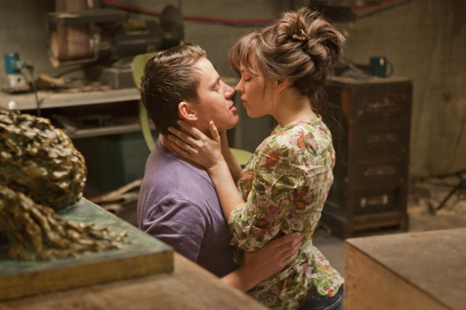 The Vow Movie | Channing Tatum kissing Rachel McAdams