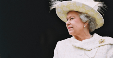 This is surreal. The Queen is a surprise (uninvited) guest at couple's wedding.