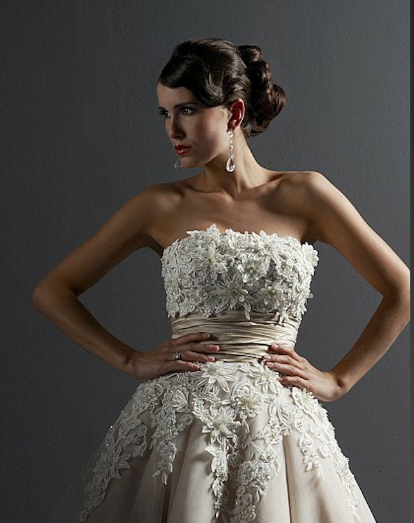 close up of lace bodice on justin alexander wedding dress