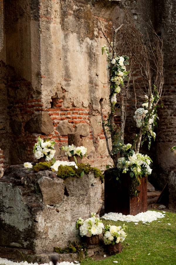 rustic cerremony decor