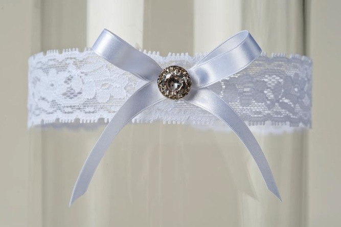 WIN A La Gartier Wedding Garter + 25 % Discount For Readers
