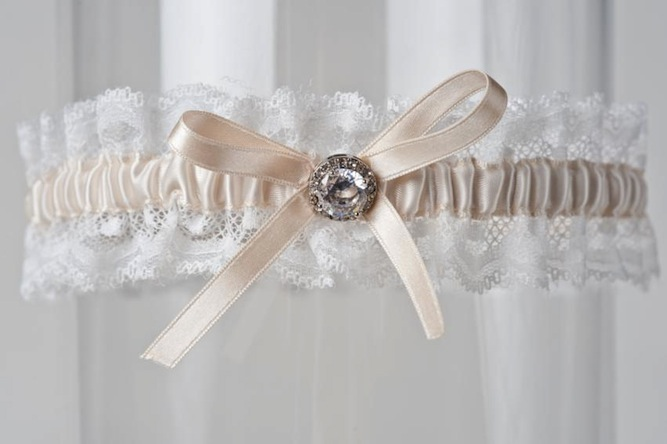 WIN A La Gartier Wedding Garter 25 Discount For Readers