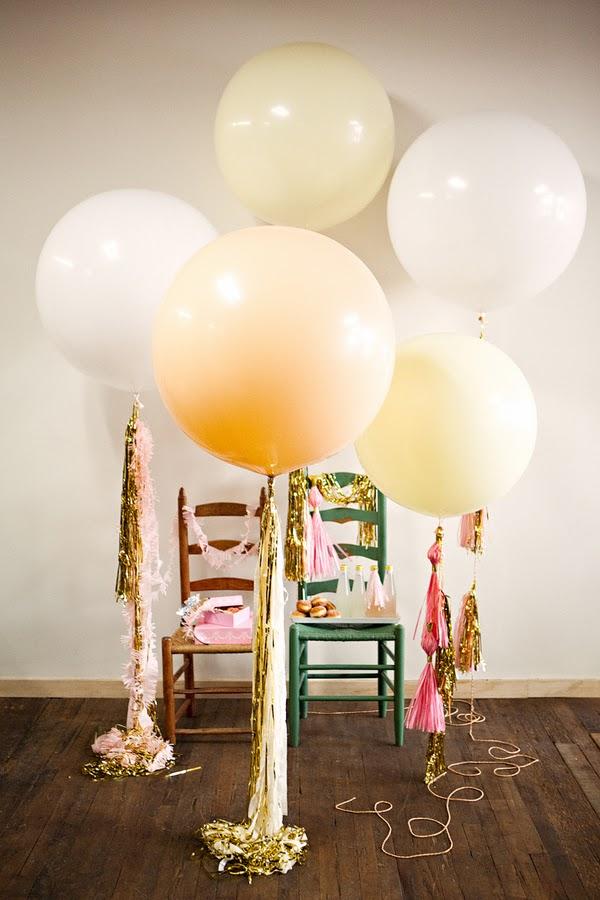 decorar fiesta con globos gigantes