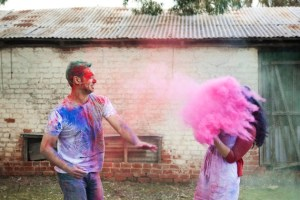 Colourful Holi Powder Engagement Shoot by C J Williams Photography (13)