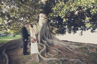 Chic & Intimate Wedding Under A Big, Beautiful Tree