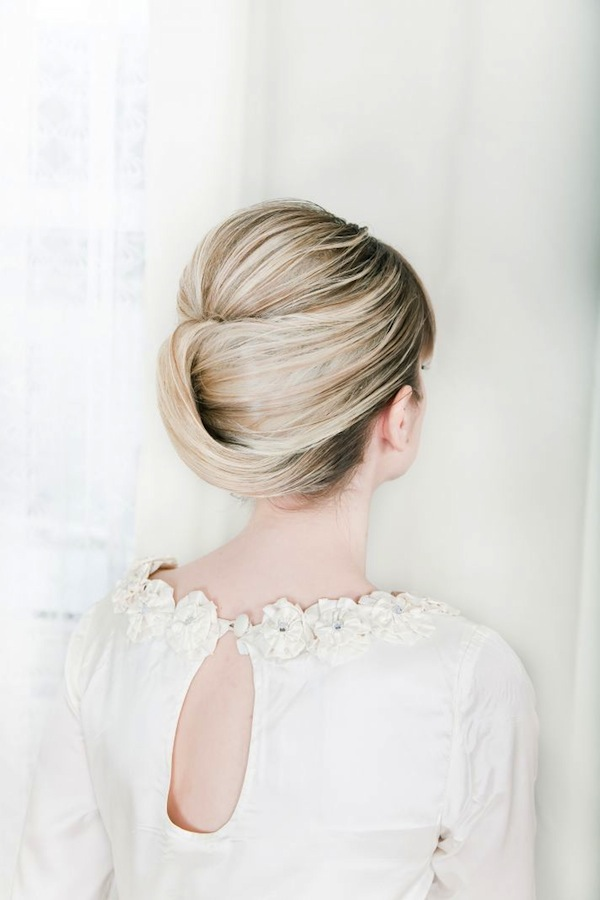Wedding hair inspiration tutorials the classic chignon - Chignon moderne 2017 ...