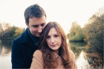 An Autumnal Walk In The Park Engagement Shoot