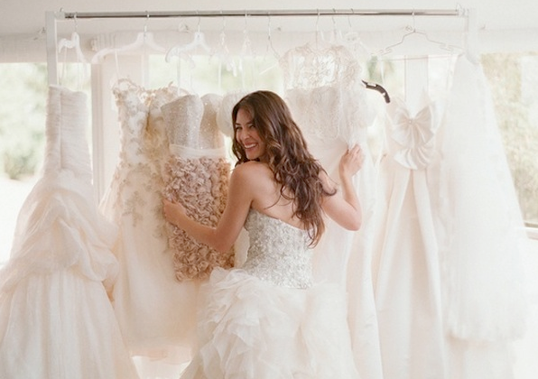 Wedding dress shopping top tips from the fitting room for Best stores for dresses for weddings