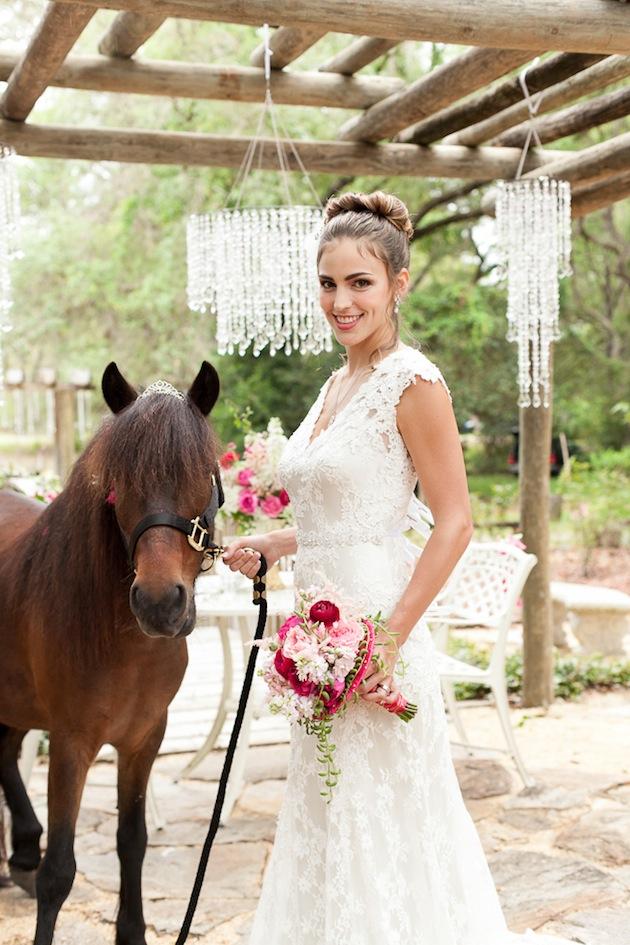 Makeup For Garden Wedding : Whimsical Garden Wedding Inspiration Shoot
