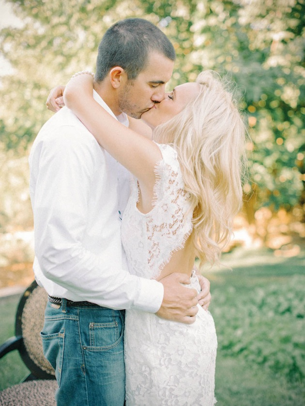 Sweet Summer Engagement Shoot | Mariel Hannah Photograophy 8