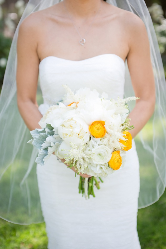 bride with white and yellow bouquet | Kaysha Weiner Photographer