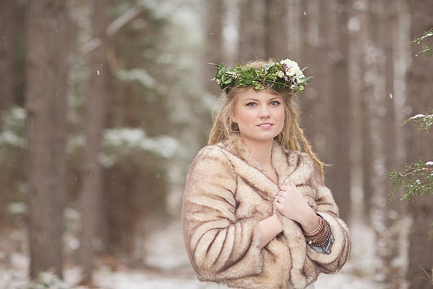 Magical Rustic Winter Wedding Ideas | Jenny Cruger Photography | Bridal Musings (28)