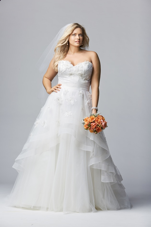 Top 10 plus size wedding dress designers by pretty pear bride for Best wedding dress styles for plus size brides