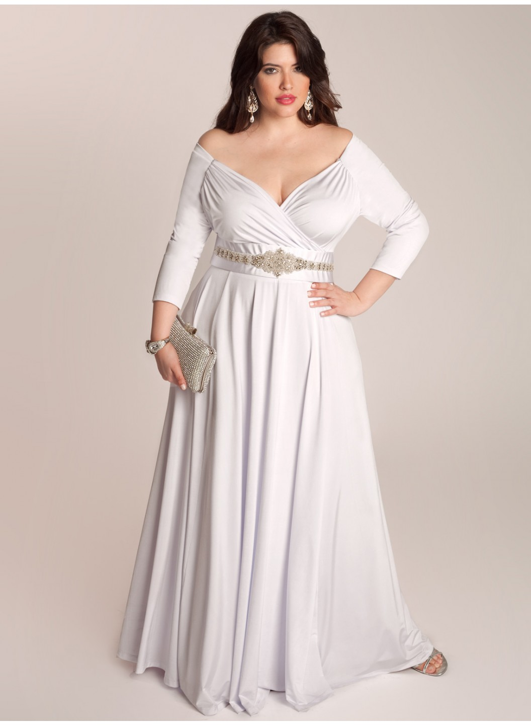 Top 10 plus size wedding dress designers by pretty pear bride for What is my wedding dress size