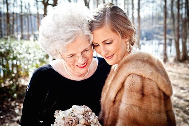 Mother's Day Photo Inspiration | Bridal Musings 38