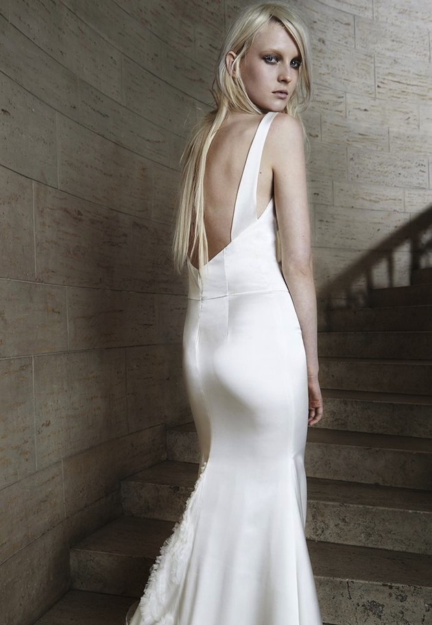 Vera wang backless wedding dresses hot girls wallpaper for Backless wedding dresses vera wang