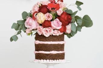 2014 Wedding Cake Trends #2 – Naked Cakes