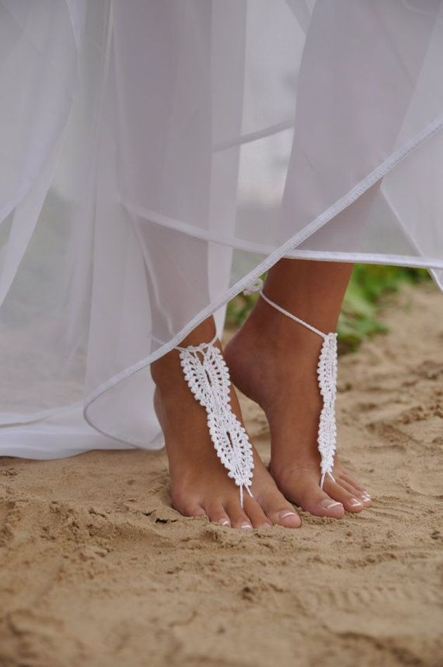 Barefoot Bridal Inspiration | Bridal Musings Wedding Blog