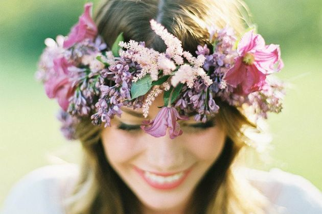 15-ideas-for-Fresh-Flower-Wedding-Hair-Bridal-Musings-Wedding-Blog-3