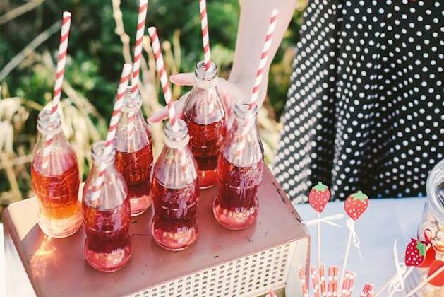 Cute-Cocktails-Wedding-Ideas-Bridal-Musings-Wedding-Blog-8