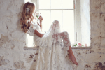 Anna Campbell lace weddding dress