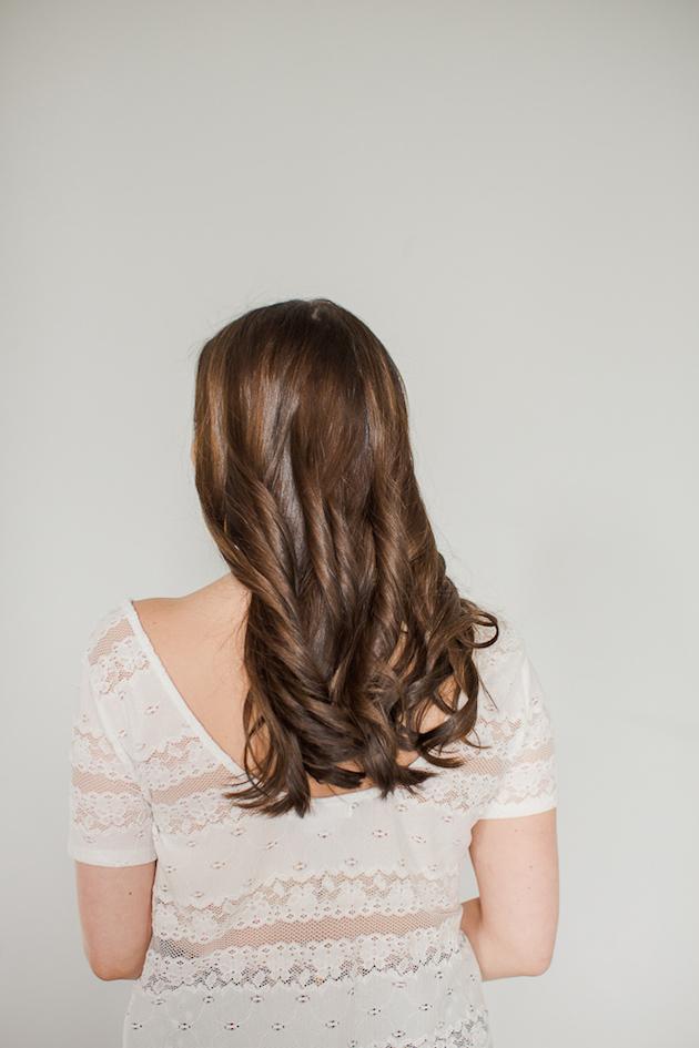 Gorgeously Simple Wavy Hair | Bridal Musings Wedding Blog 7