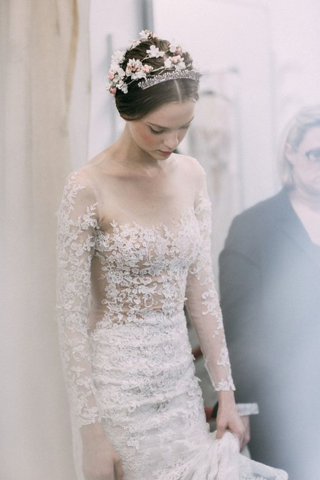 Bridal fashion week reem acra fall 2015 wedding dress for Reem acra lace wedding dress