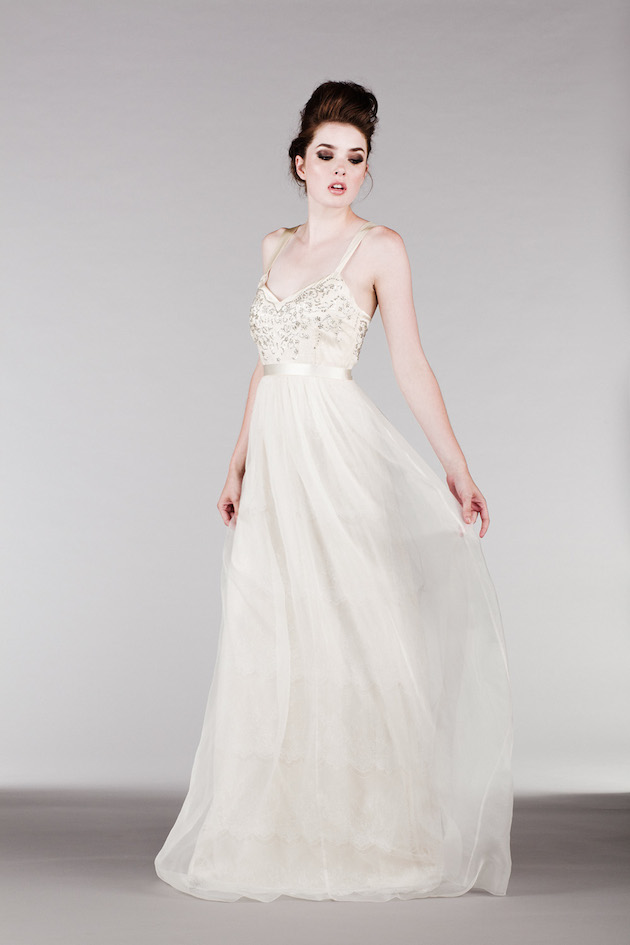 Perfectly simple wedding dresses by saja collection for Simple romantic wedding dresses