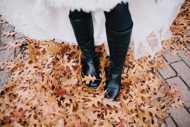 15 Leaf Ideas for Fall Weddings | Bridal Musings Wedding Blog 18