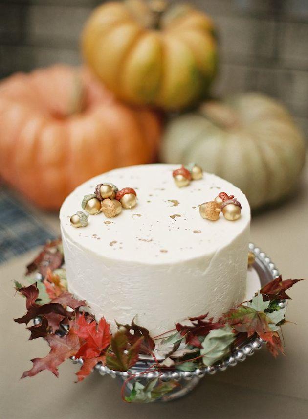 15 Leaf Ideas for Fall Weddings | Bridal Musings Wedding Blog 5