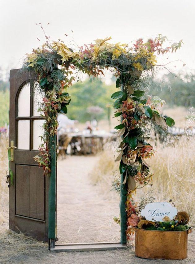 15 Leaf Ideas for Fall Weddings | Bridal Musings Wedding Blog 7