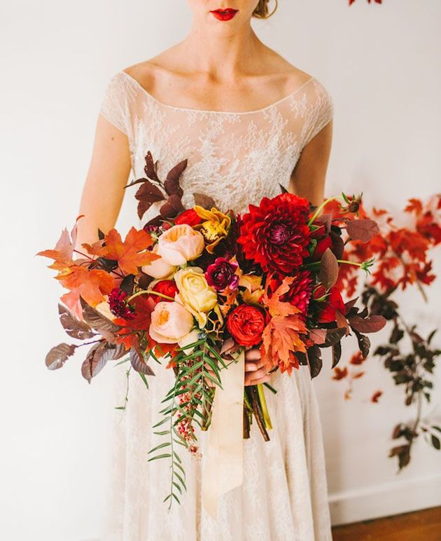25 Gorgeous Fall Bouquets for Autumn Weddings | Bridal Musings Wedding Blog 10