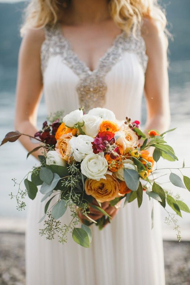 25 Gorgeous Fall Bouquets for Autumn Weddings | Bridal Musings Wedding Blog 12