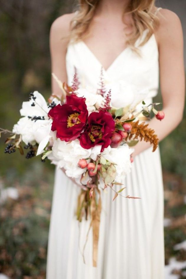 25 Gorgeous Fall Bouquets for Autumn Weddings | Bridal Musings Wedding Blog 14