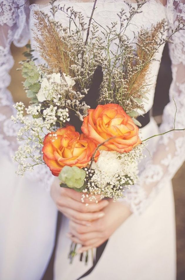 25 Gorgeous Fall Bouquets for Autumn Weddings | Bridal Musings Wedding Blog 15