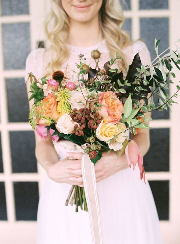 25 Gorgeous Fall Bouquets for Autumn Weddings | Bridal Musings Wedding Blog 2