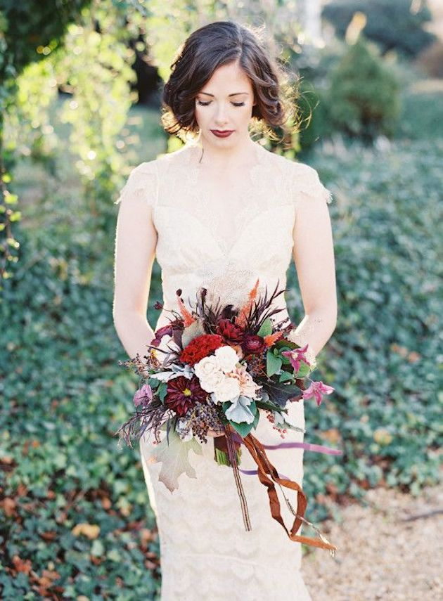 25 Gorgeous Fall Bouquets for Autumn Weddings | Bridal Musings Wedding Blog 23