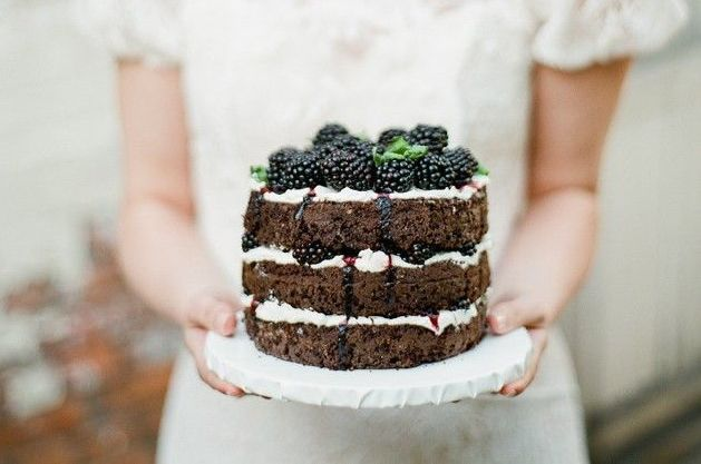 How-To-Bake-Your-Own-Wedding-Cake-Bridal-Musings-Wedding-Blog-13