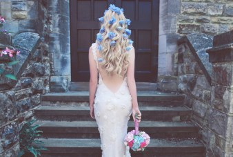 English Garden Wedding Inspiration Shoot (With Simply Gorgeous Hair Ideas!)